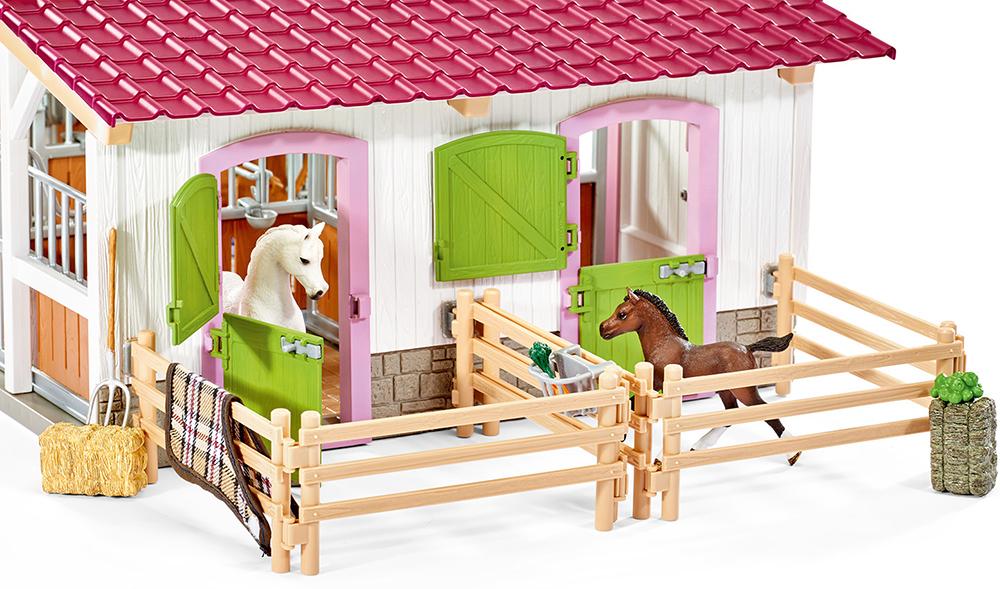 Schleich 42344 Reiterhof mit Reiterin und Pferden Horse Club